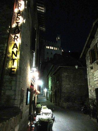LOCANDA DEL DUCA: Esterno notte