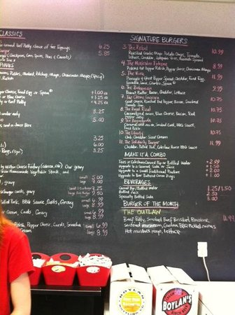 Burger Revolution : Blackboard menu + burger of the month
