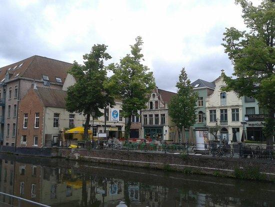 Dijlepad Mechelen zicht op Vismarkt