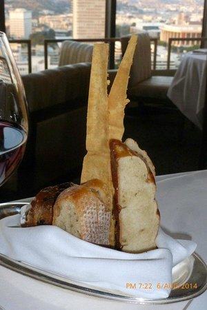 LA Prime at The Westin Bonaventure Hotel : bread
