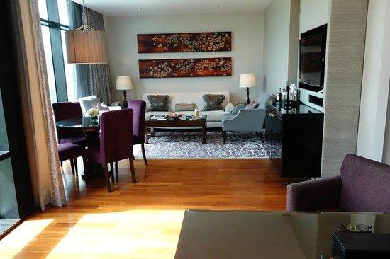 The St. Regis Bangkok: very comfortable living room