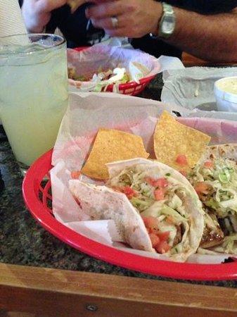 Bad Bean Taqueria : fish tacos and margarita