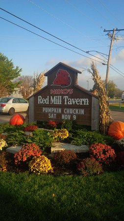 Niko's Red Mill Tavern