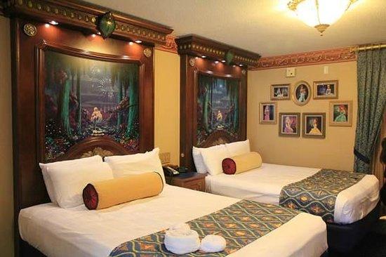 double beds fireworks headboard picture of disney s port orleans rh tripadvisor com