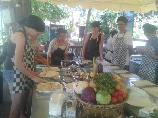 The Terrace: Cooking class by chef