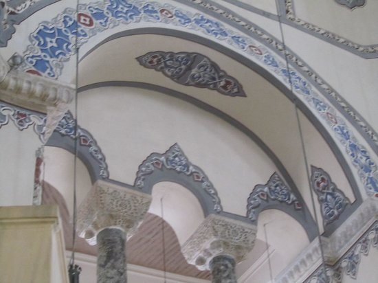 Kucuk Ayasofya Camii (Church of the Saints Sergius and Bacchus): Restrained ornamentation