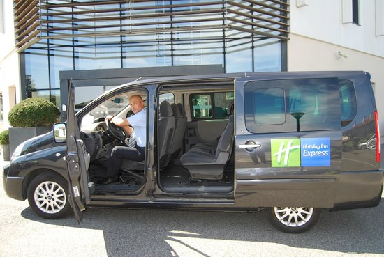 Holiday Inn Express Toulouse Airport: Gratis Hotel Shuttle Service