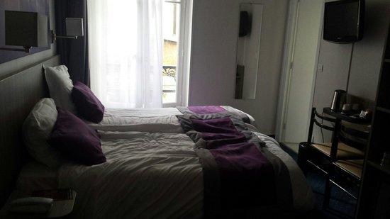 Hôtel Avia Saphir Montparnasse : Chambre