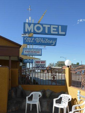 Mt. Whitney Motel : Sicht vom Pool aus