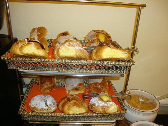 Nuovo Hotel del Porto: croissants