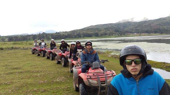 Peru Moto Tours: Después de 2 Lagunas Chincheros