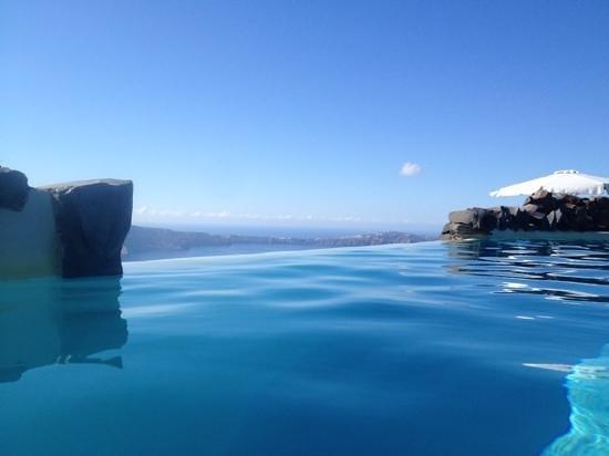Honeymoon Petra Villas : superbe piscine à debordement