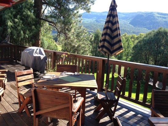 Country Sunshine Bed and Breakfast : On the porch for breakfast! Incredible views!