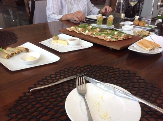 Sakala Beach Club: the second round and the pizza