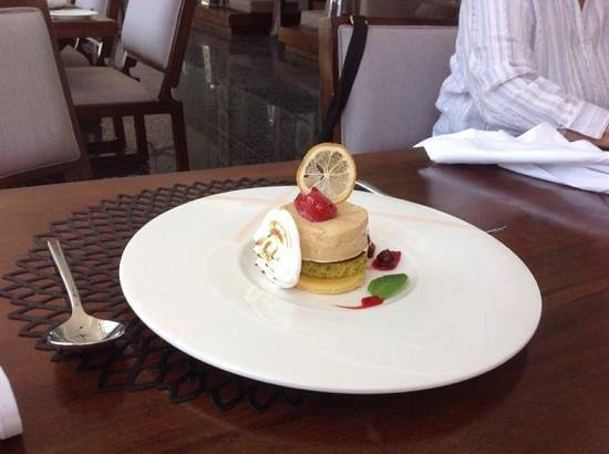 Sakala Beach Club: when dessert and art are mixed...