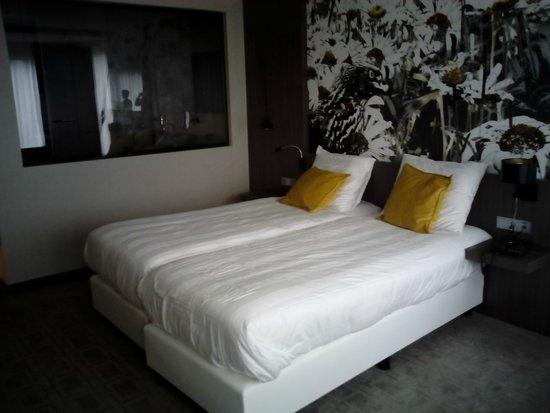 Van der Valk Hotel Heerlen : chambre 2 lits