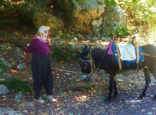 Taurus Mountains: Lady we met on the mountain