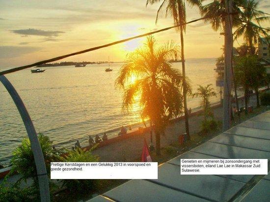 Losari Beach: Sunset view from KIos Semarang Island Lae Lae