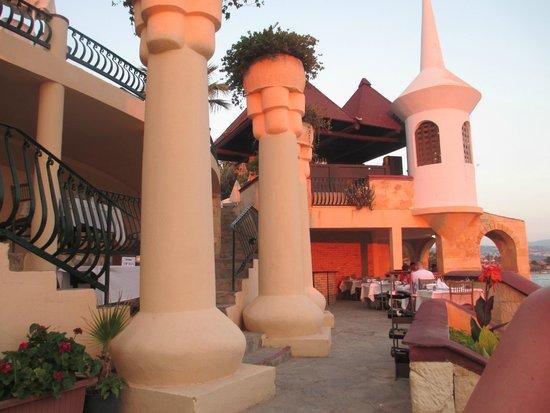 Fantasia Hotel De Luxe Kusadasi: turkish restaurant