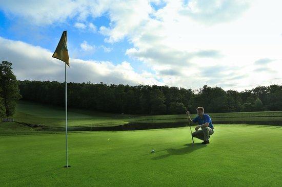 Hidden Valley Resort: Stunning mountaintop golf course