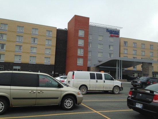 Fairfield Inn & Suites St. John's Newfoundland: Front of Building