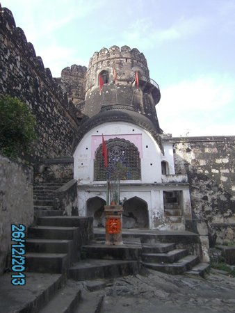 Jhansi Fort: Temple in the fort
