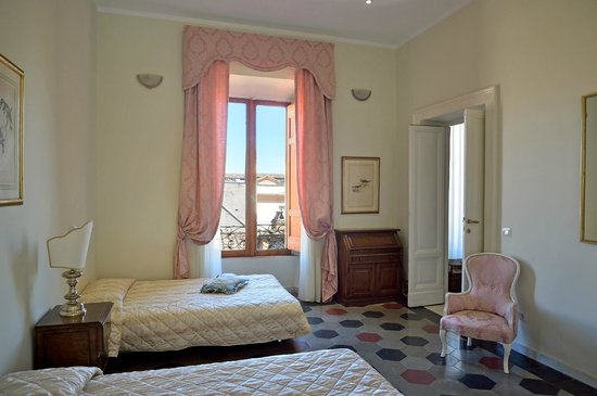 Hotel Le Clarisse al Pantheon : Family Apartment | Guest Room