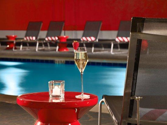 Sonesta Philadelphia Downtown: Pool Deck
