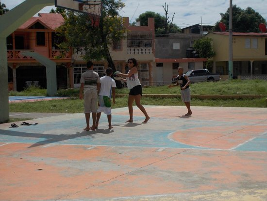 Dove Missions Voluntourism - 1-Day Volunteer with Youth: playing basketball