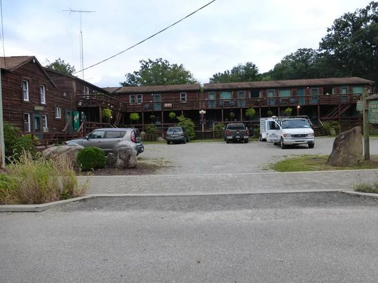 Yough Plaza Motel: From the road