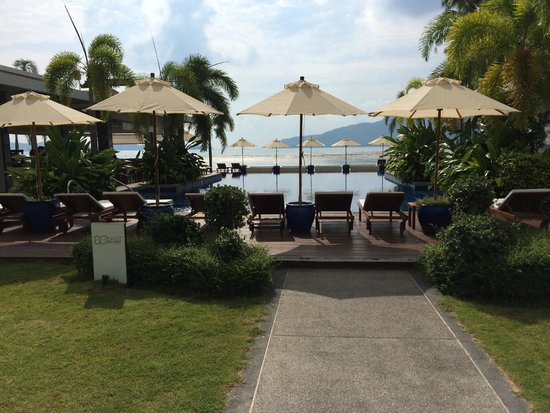 Serenity Resort & Residences Phuket : Pool area