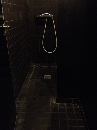 Sleep in Heaven: Ladies showers in unit U all painted black probably to cover the filth. Every time I dropped my