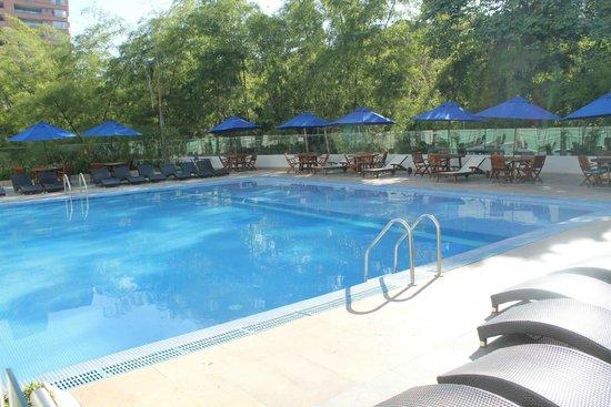 Hotel San Fernando Plaza Medellin: Pool at Hotel