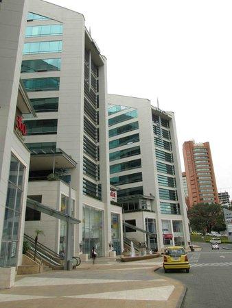 Hotel San Fernando Plaza Medellin: Hotel Outside Property