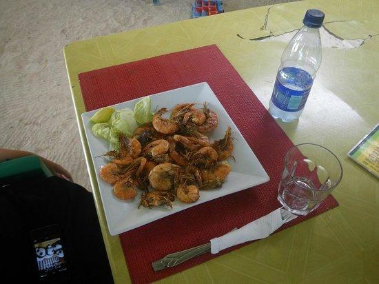 Ristorante Issamar : crevettes servies avec des frites