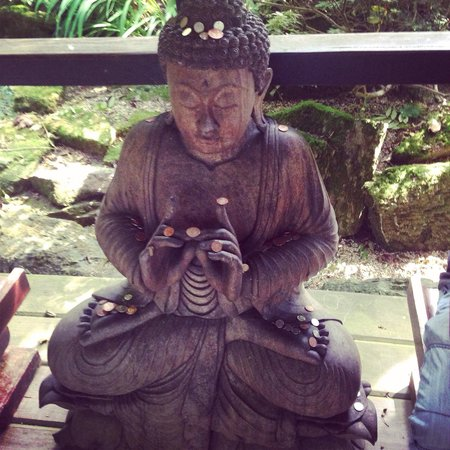 The Japanese Garden: Loved the Buddhas