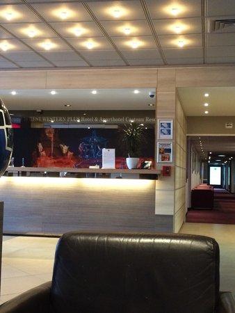 Hotel & Aparthotel Casteau Resort Mons : Lobby