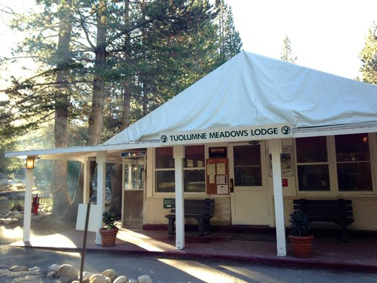 Tuolumne Meadows Lodge: front of lodge