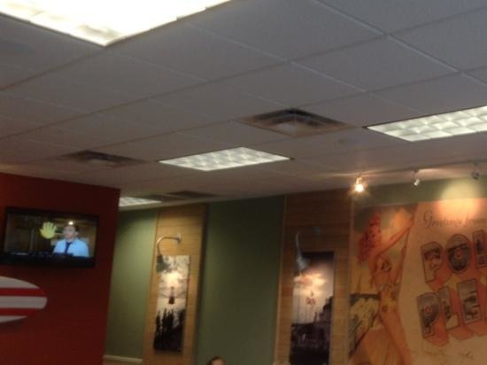 Jersey Mike's Subs: Nice DECOR
