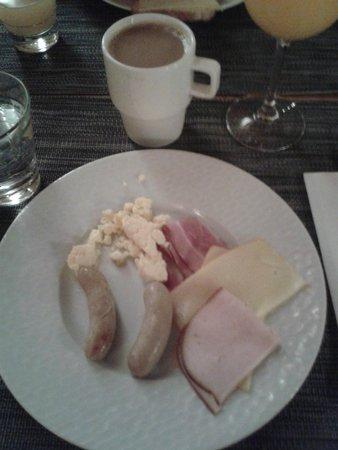 GLO Hotel Art: Bufet desayuno