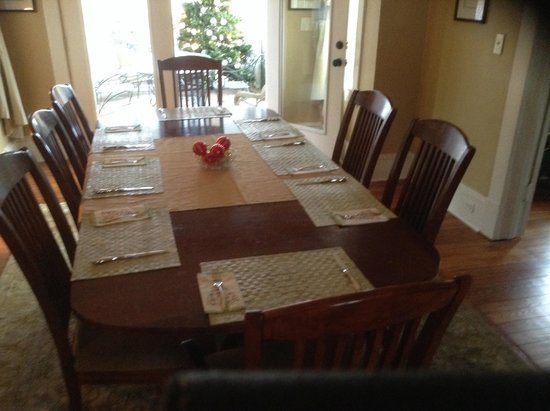Brugh's Inn of Salem: Christmas