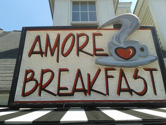 Amore Breakfast: The welcoming sign!