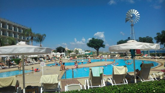 Pernera Beach Hotel: view from sunbed