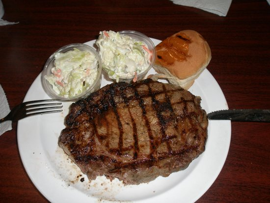 Captain Poo's Blue Marlin Yacht & Fishing Club: Steak Dinner with Cole Slaw