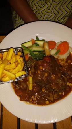 Victoria Restaurant: Lamb shank, Mum said it was the best she has ever had!