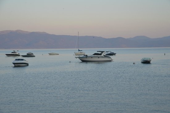 Gar Woods Grill & Pier Restaurant: Evening on Lake Tahoe