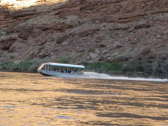 Canyonlands by Night and Day: Jet-boat ride