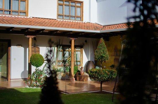 Hotel San Juan Cuenca Ecuador: Patio Posterior