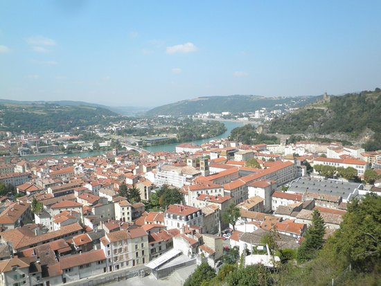Kanpai Tours : View over Vienne