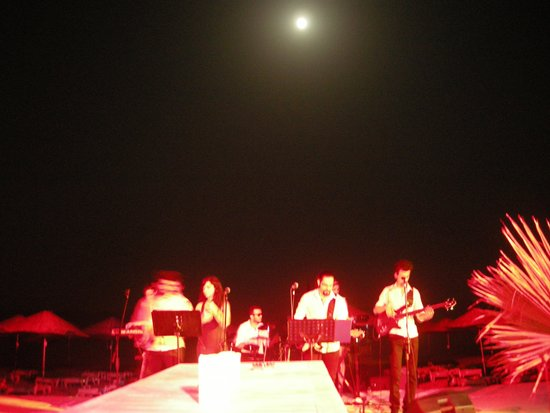 Hotel Su : Musica dal vivo al Beach Bar